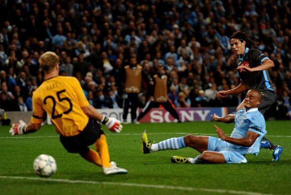 El primero en gritar gol fueron los italianos. El uruguayo Edinson Cavan...