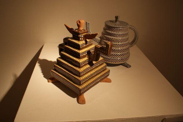 Piezas de cerámica en la exposición.