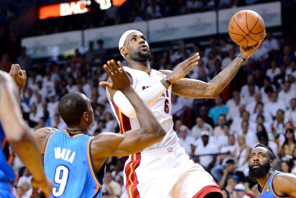 El Heat ganó el partido 121-106 y con ello consiguió su se...