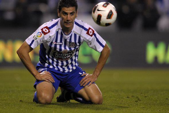También Ricky del del Deportivo La Coruña, lo ve pasar como si no fuera...