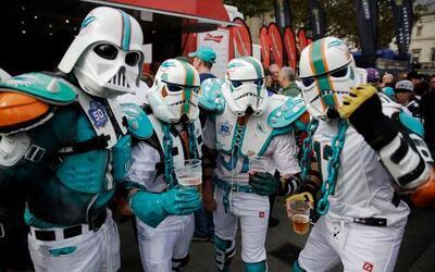 Día Internacional de Star Wars y los fans de la NFL y de la exitosa pelí...