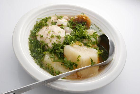 Sancocho de camarones o mariscos, es un platillo tradicional y muy exqui...