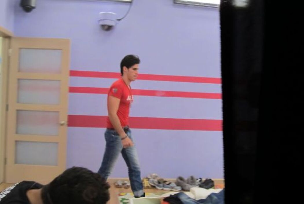 Alex también hizo su maleta pero corrió con suerte y el público votó par...