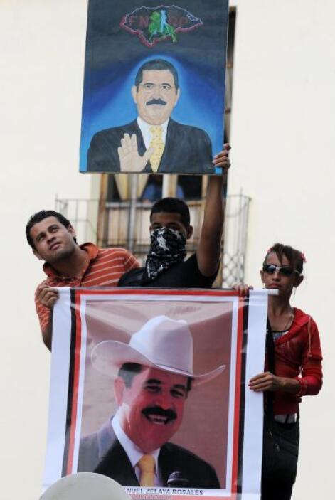 """El FNRP dijo en un comunicado que """"miles de miles de hondureños estamos..."""