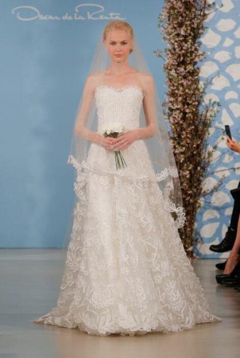 Para una boda civil, muchas novias eligen un vestido hermoso, pero menos...