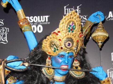Sólo hay que mirar este atuendo de una diosa hindú, que se...