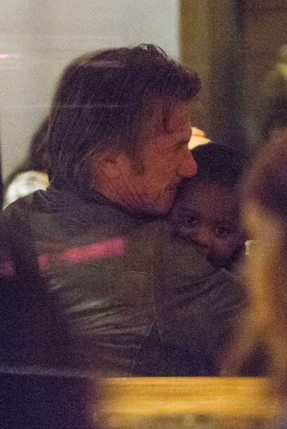 Sean no se queda atrás, el actor se comió a besos a Jackso...