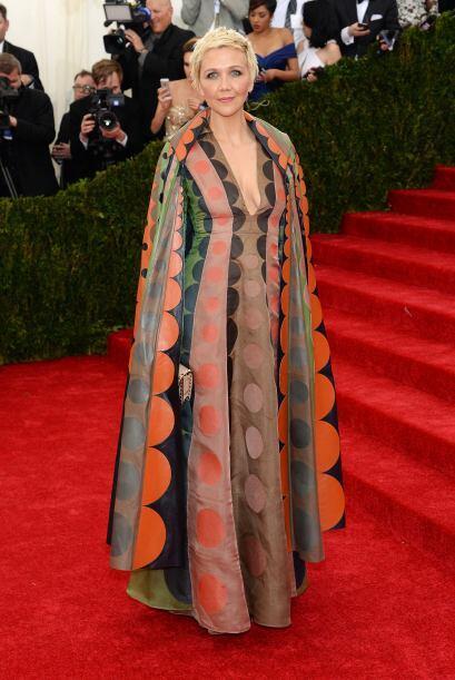 Creemos que Maggie Gyllenhaal ya no tiene tan lindo busto como para luci...