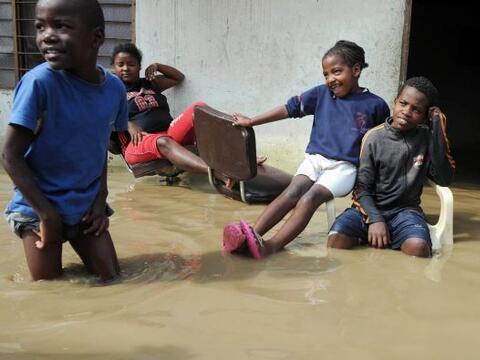 Colombia enfrenta una dura temporada de lluvias que a lo largo de 2010 h...