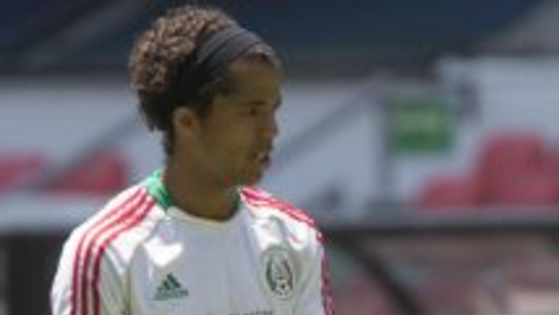 Giovani Dos Santos concentrado con selección mexicana.