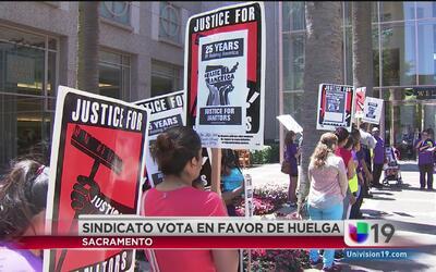 Sindicato SEIU vota en favor de una huelga