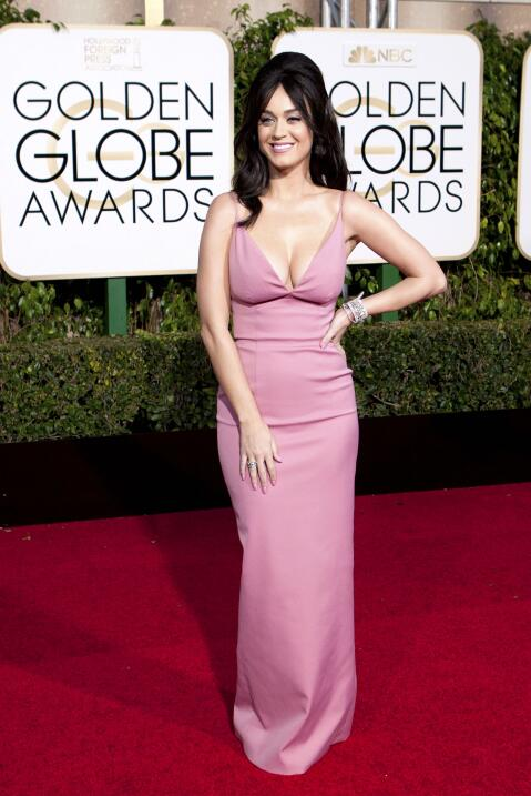 Katy Perry con un peinado retro en la entrega de los Golden Globe Awards...