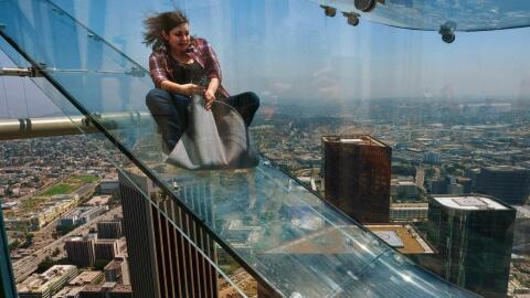 Este sábado inauguraron el Skyslide en la US Bank Tower