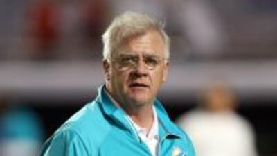 Mike Sherman siente que el juego terrestre no le ha dado resultados (AP-...