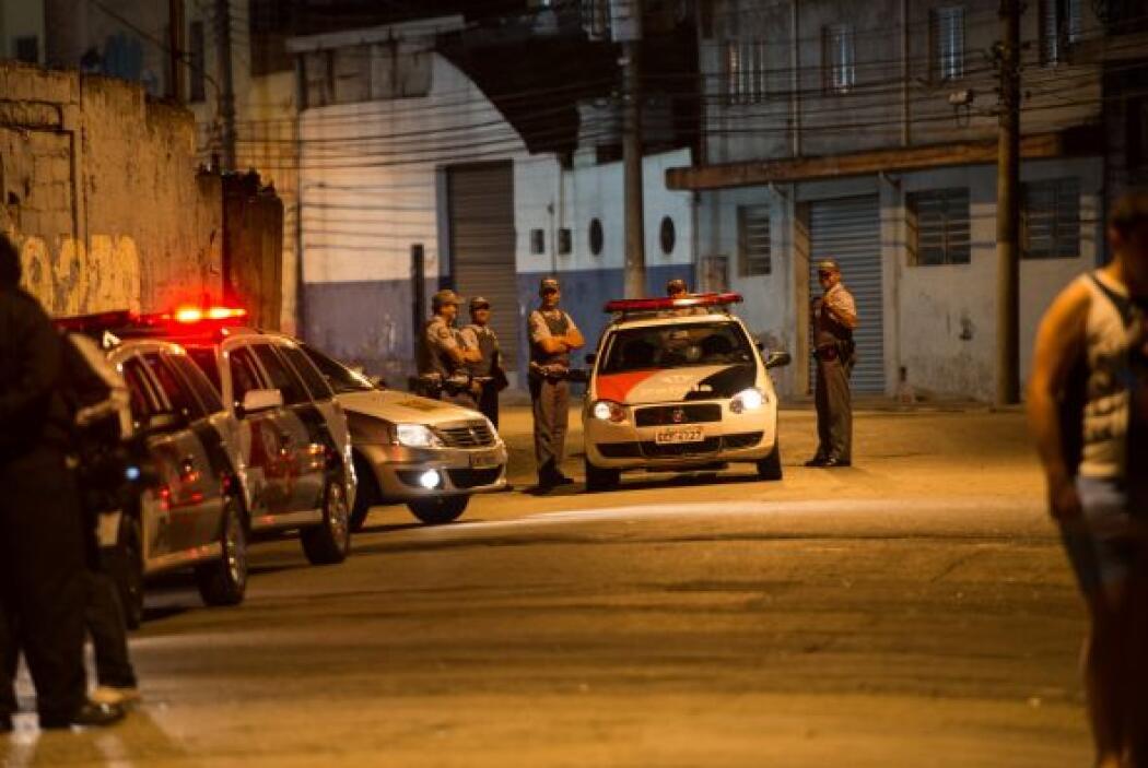 Sao Paulo, la mayor ciudad brasileña, vivió una nueva madrugada violenta...