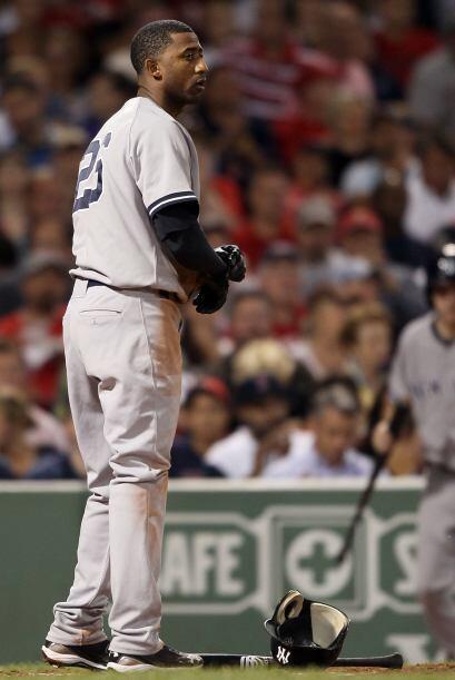 Nuñez no pudo encontrar la bola y sería ponchado.