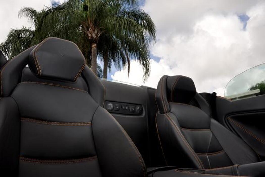 Los asientos son muy cómodos y tienen una excelente sujeción lateral.