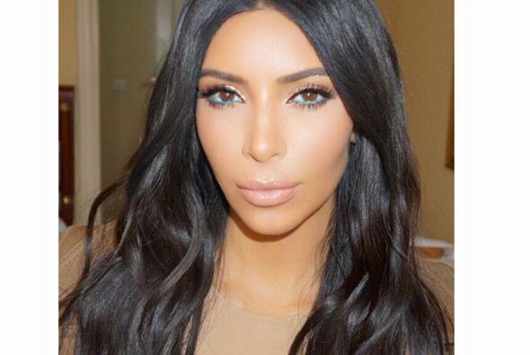 Kim presumió su look en Instagram.