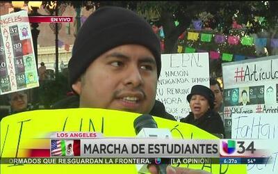 Los Ángeles marcha por los 43 estudiantes