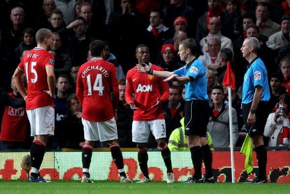 Cuando mejor jugaba el Manchester United llegó una jugada pol&eac...