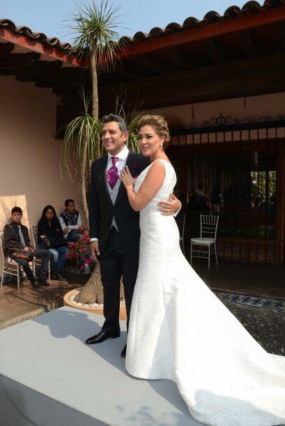Más de 300 invitados tuvieron los recién casados.