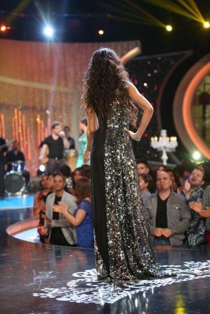 El vestido de María Elena siguió al pie de la letra la temática e hizo q...