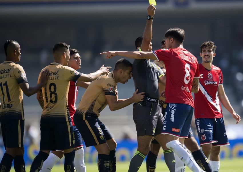 Tiburones enfrentó a Pumas en la Liguilla Apertura 2015.