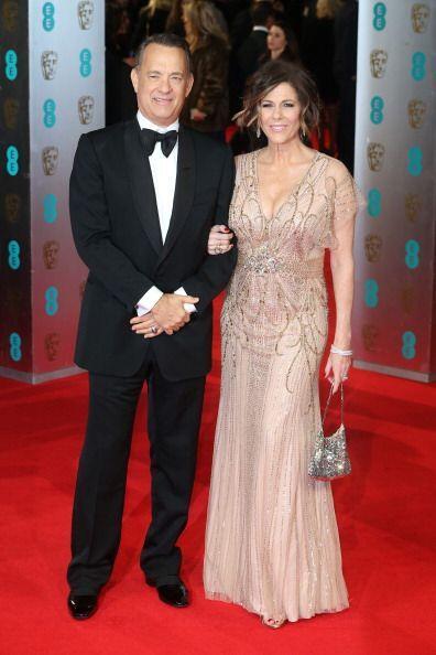 Tom Hanks y su esposa Rita Wilson estuvieron fabulosos en la 'red carpet...