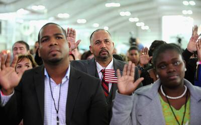 Ceremonia de naturalización de nuevos ciudadanos estadounidenses...