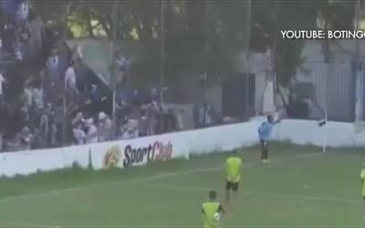 Futbolista herido de bala de goma en partido del ascenso en Argentina