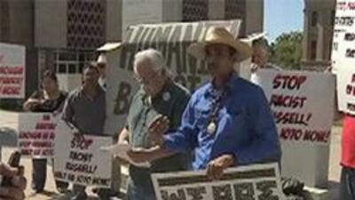 Protestantes de las nuevas leyes migratorias