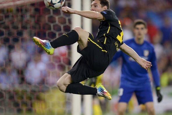 Messi con el balón, una imagen que apenas y se vio durante los 90...