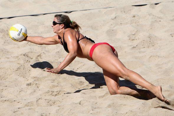 La estadounidense hace pareja con Kerri Walsh, con quien ha ganado tres...
