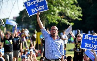 "Al grito de ""¡Bernie o nada!"", seguidores del senador socialista promete..."