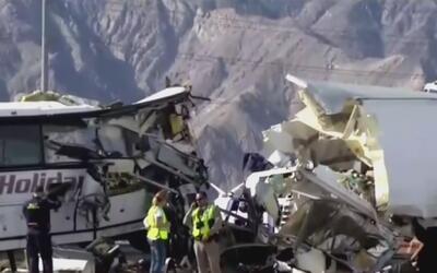 Sobrevivientes siguen conmocionados por el brutal accidente de bus turís...