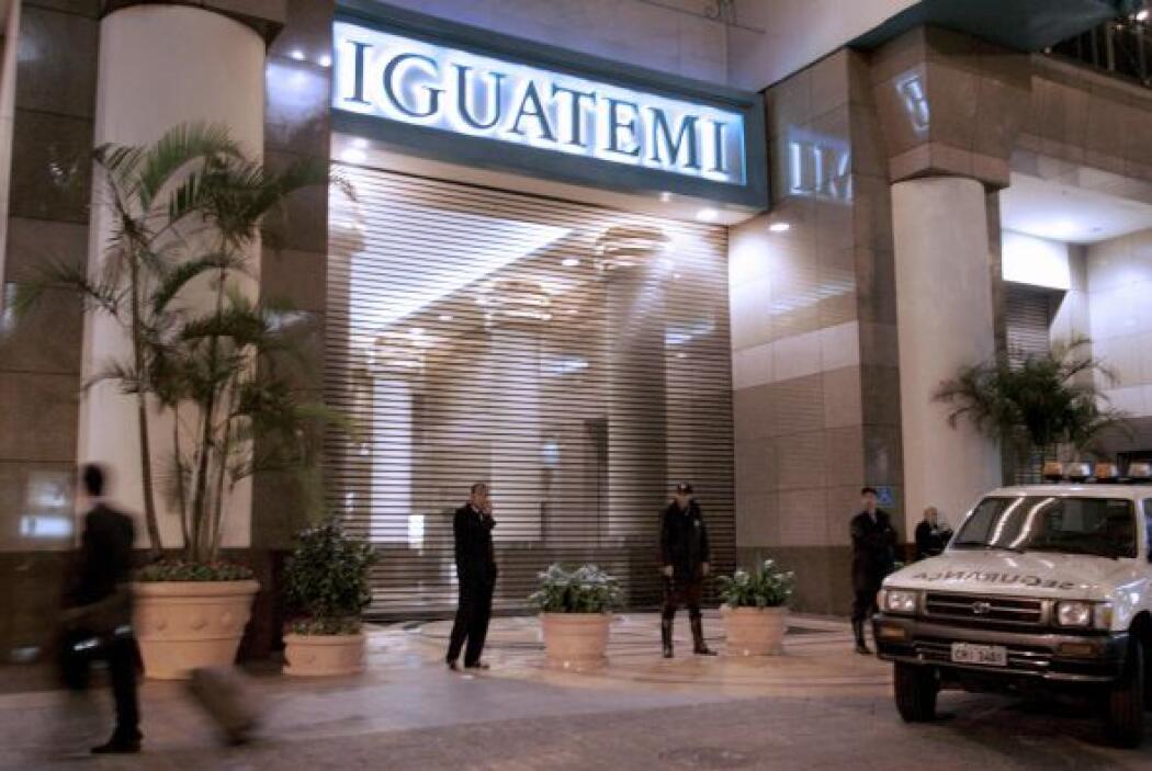 12. IGUATEMI SHOPPING  Renta anual en dólares por pie cuadrado- $425.  L...