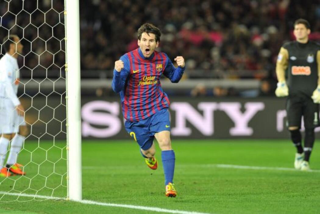 Messi, que nunca falla, picó el balón por encima del impotente portero b...