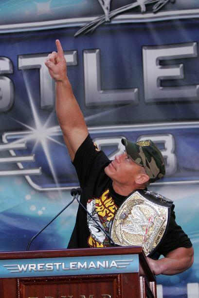 Cena nació el 23 de abril de 1977 en West Newbury, Massachusetts.