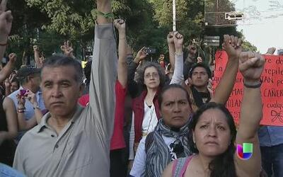 """México vive la """"Matanza de Tlatelolco"""" con batalla campal"""