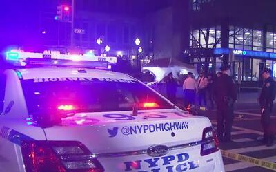 Una mujer que presuntamente estaba ebria fue atropellada por un conducto...