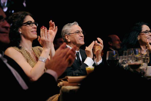 Entre el público estaba el homenajeado de la noche, muy atento a...