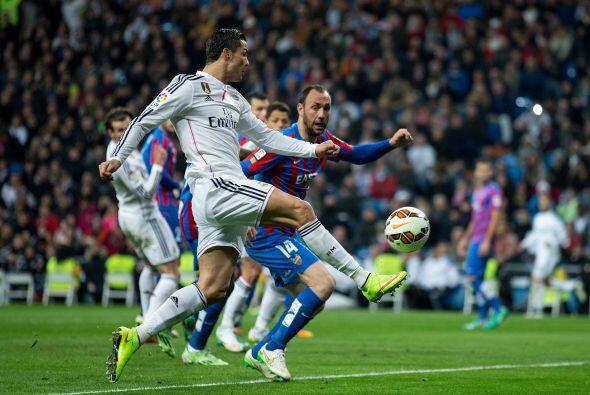 Antes de finalizar la primera parte, nuevamente Bale anotó tras d...
