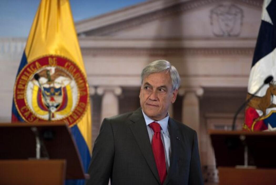 El presidente Sebastián Piñera, llegó al centro de emergencia desde dond...