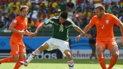 Oribe Peralta contra Holanda.