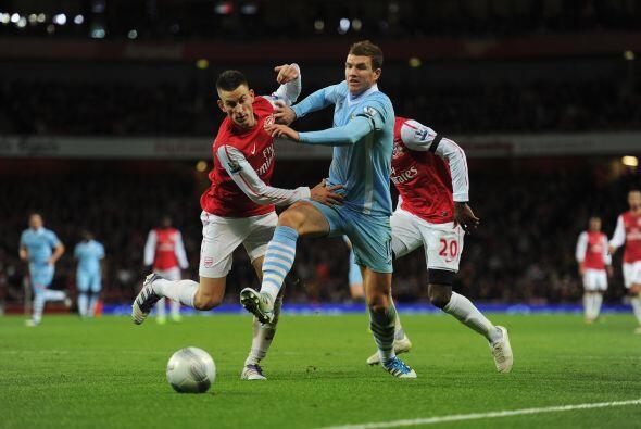 El City mostraba las mejores ideas al ataque, aunque la zaga de Arsenal...
