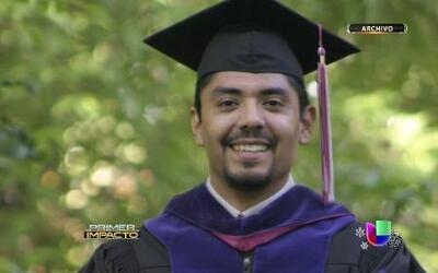 Inmigrante indocumentado tiene gran razón para celebrar al recibir licen...