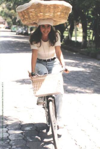 Interpretó a la humilde y bella Ana Hernández.