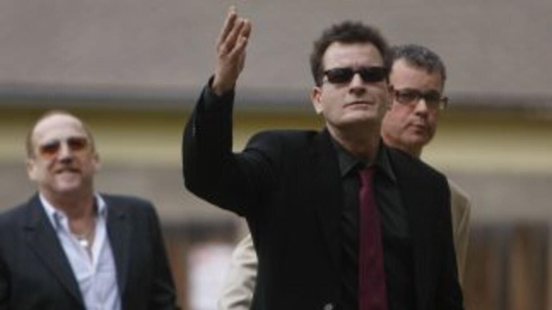 Charlie Sheen a su llegada al tribunal del condado de Pitkin en Aspen, C...