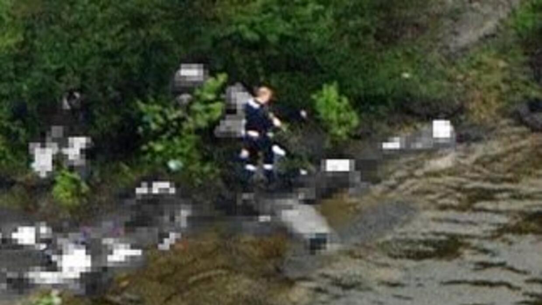 El la foto, tomada desde un helicóptero, se mira al sospechoso de los at...