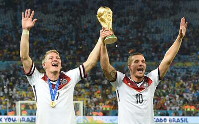 Schwinsteiger y Podolski, campeones del mundo que podrían llegar...